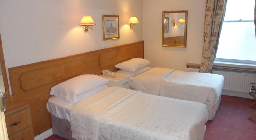 Hotels Near Busaras